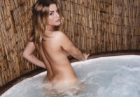 Jess kingham  hot tub. <p>&nbsp;come and meet jess in the hot